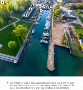 Images portuaires avec des détails importants